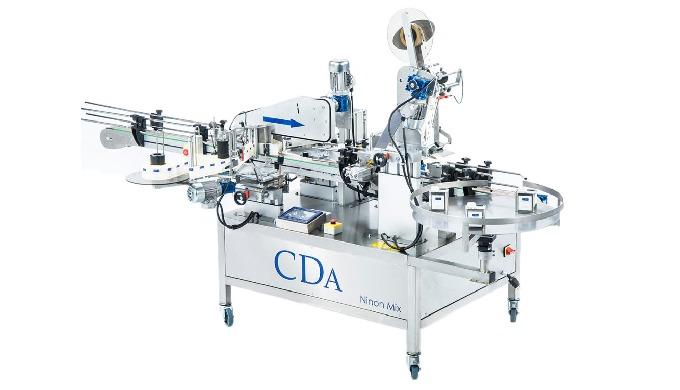 Conçue par la société CDA, la Ninon Mix est une étiqueteuse automatique permettant l'étiquetage des produits cylindrique