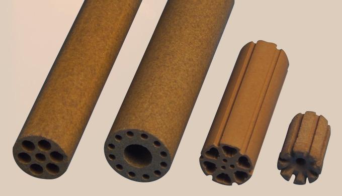 Pyrostat  -  stammt aus der Familie der Cordieritkeramiken. Seine Porosität lässt sich über die Sintertemperaturen ge