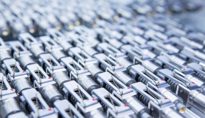 Auf über 700 qm Montagefläche - gegliedert in den entsprechenden Bereichen - haben wir die Möglichkeit, die Weiterverarb