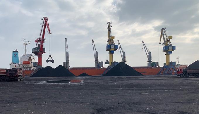 Importateur de charbon