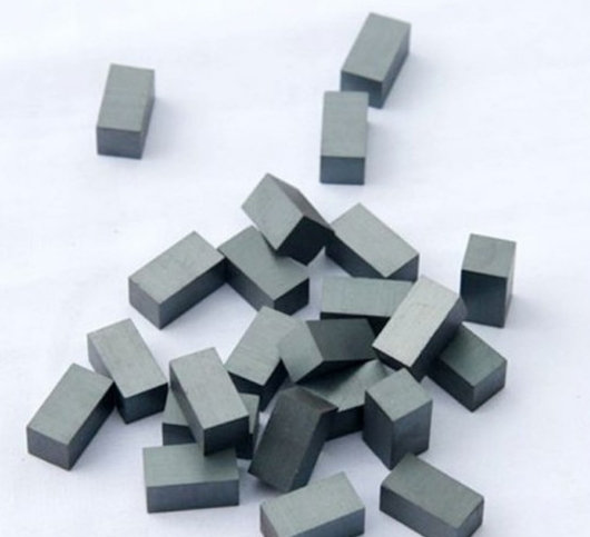 Ferrite magnets are sintered permanent magnets composed of Barium or Strontium Ferrite. This class of magnets, aside fro