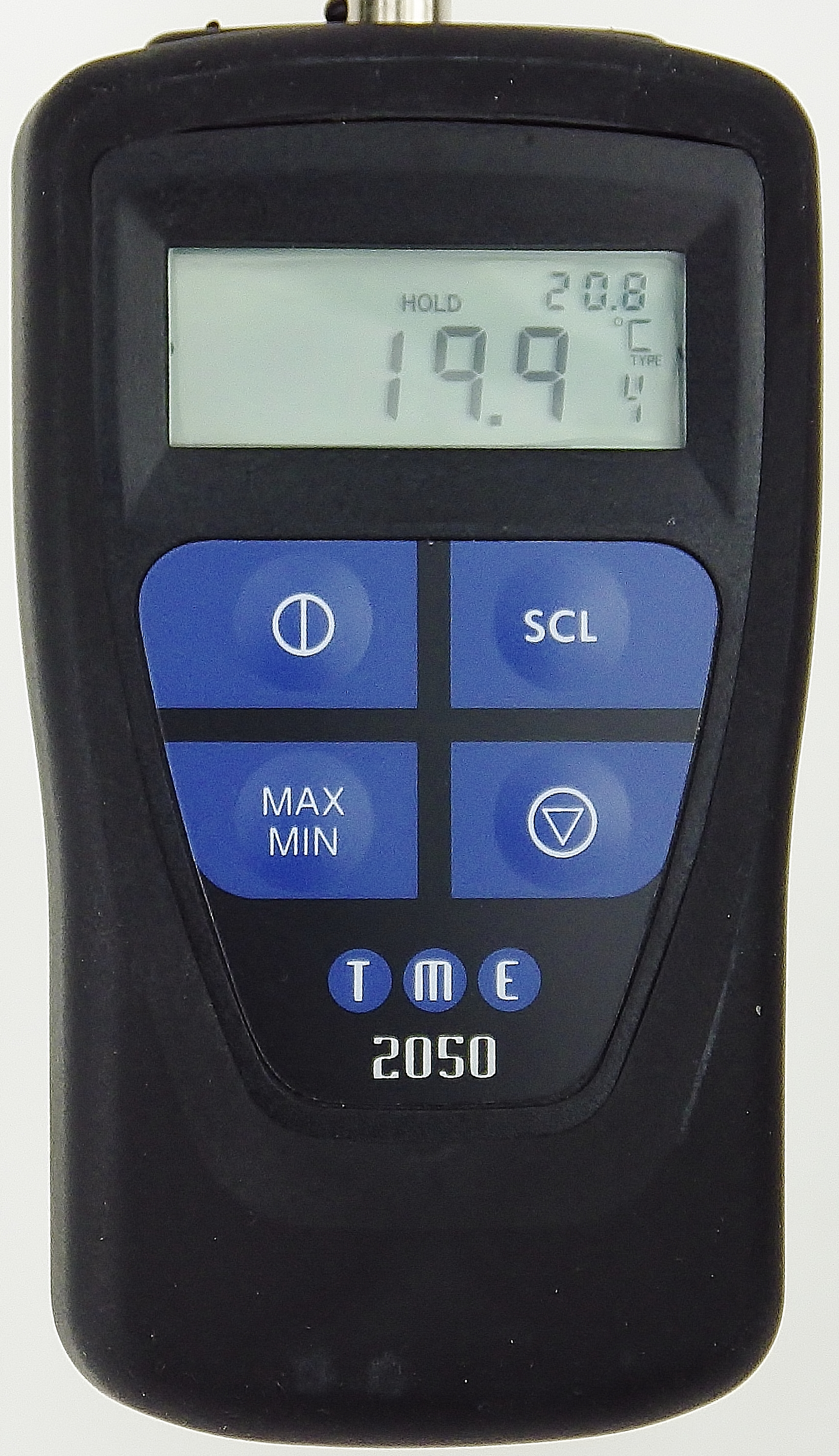 This Self-Calibrating PT100 Thermometer features a 4/3/2 wire measurement, max/min functions, hold function, dual displa