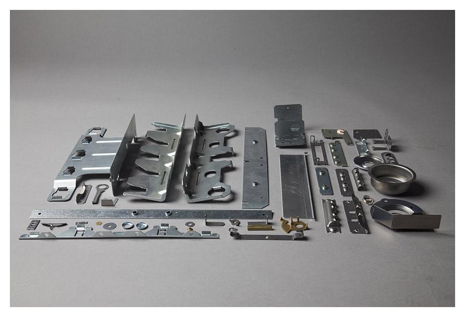Estampación de piezas metálicas así como la fabricación de troqueles. Los artículos fabricados se destinan a sectores mu
