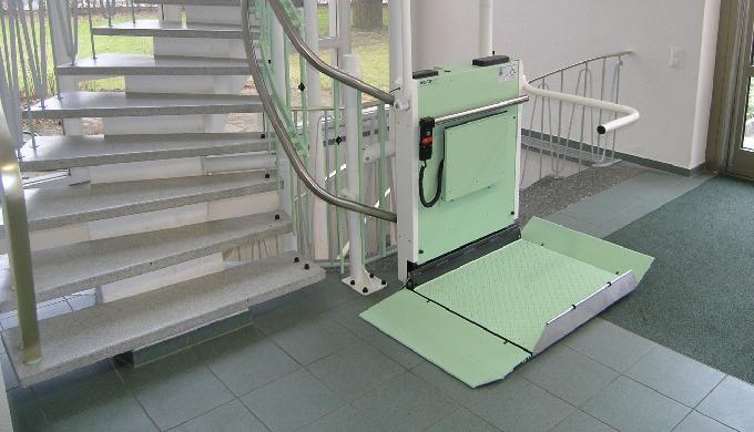 Rollstuhllifte - Treppen-Plattformlifte für Rollstuhlfahrer