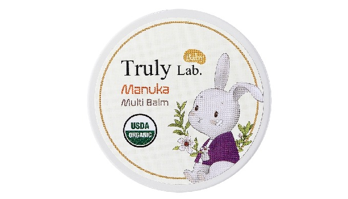 Manuka oil and tea tree oil that are effective for skin sterilization and disinfection, are quickly absorbed into damage