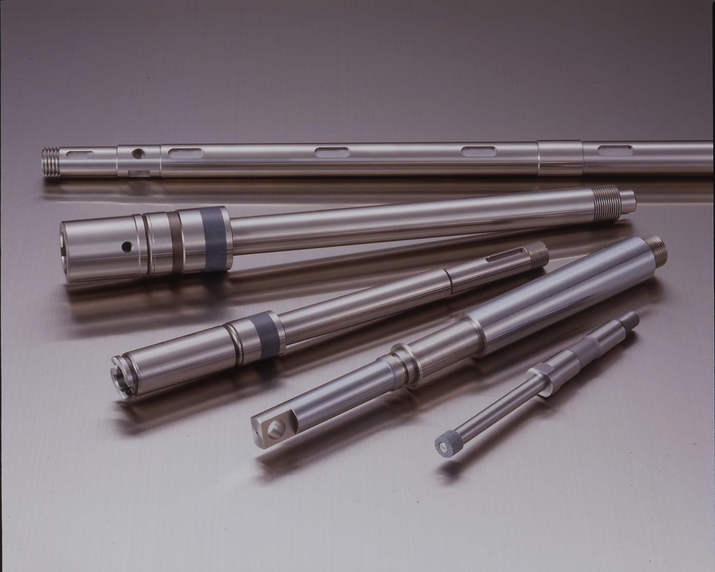 Nos différentes gammes d'axes et de douilles: DOUILLES A BILLES.Massives acier ou inox, auto-alignantes, à collerette,
