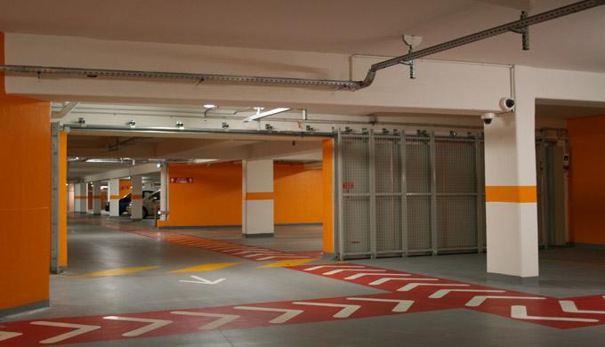 Porte coulissante de parking