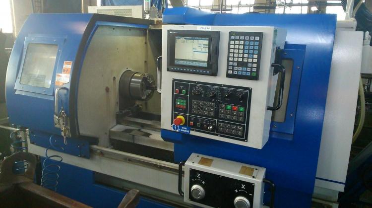 CNC obrábění, soustružení, frézování, vrtání, broušení Zakázkové obrábění kovů na CNC i konvenčních strojích. Obrábění n