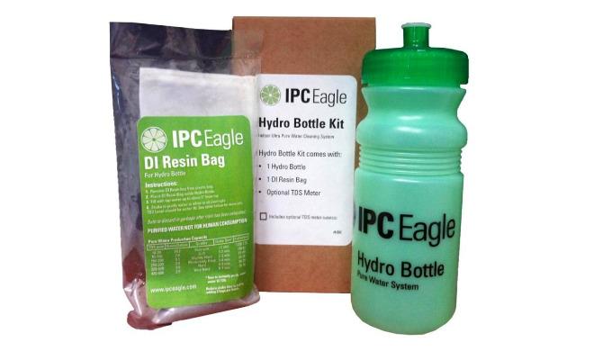 Le kit de production d'eau pure est composé d'un bidon plastique 500ml et d'une dosette réutilisable de résine de dé-ion