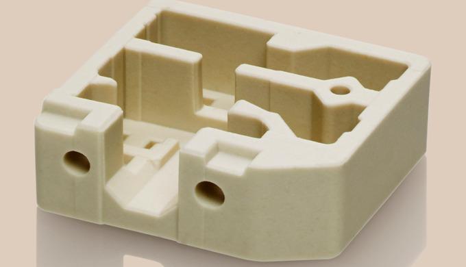 Steatit -  ist ein Magnesiumsilikat - bis zu 90 % aus Speckstein hergestellt. Zusätzlich zum Speckstein sind noch Tone