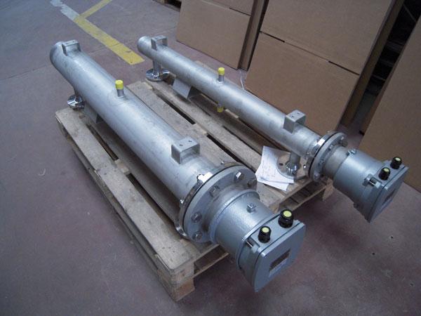 Formados por un calentador tipo CFM, COM, CAT, CXM, según su aplicación y montados en un depósito con bridas de entrada
