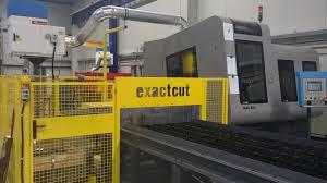 Řezání tyčí na CNC pilách Společnost AC Steel a.s.patří mezi přední české společnosti se specializaci na prodej, sklado