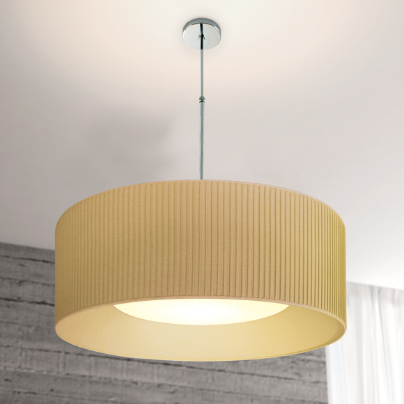 The simplicity of the metal gives shape to the Hoop Cromado. With its simple lines this collection provides versatility