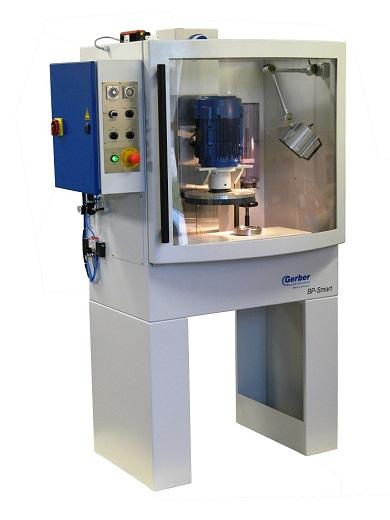 Die Technik des Bürst-Honens von ultraharten Materialien findet in den Maschinen von Gerber Maschinenbau seit Jahrzehnte