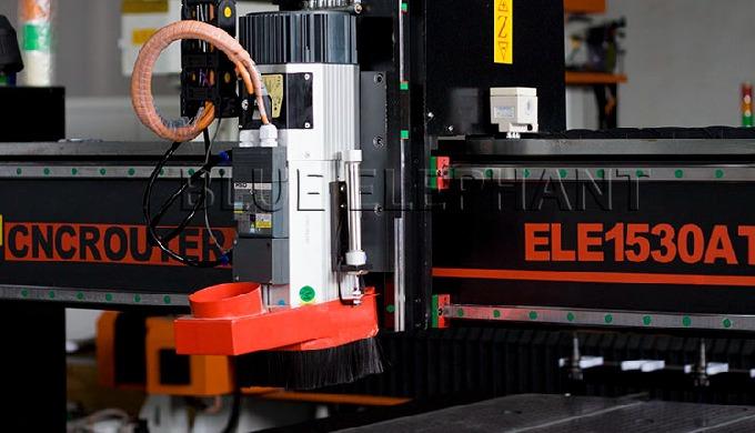 ELECNC-1530 ATC Machine CNC à 4 axes pour bois 3D