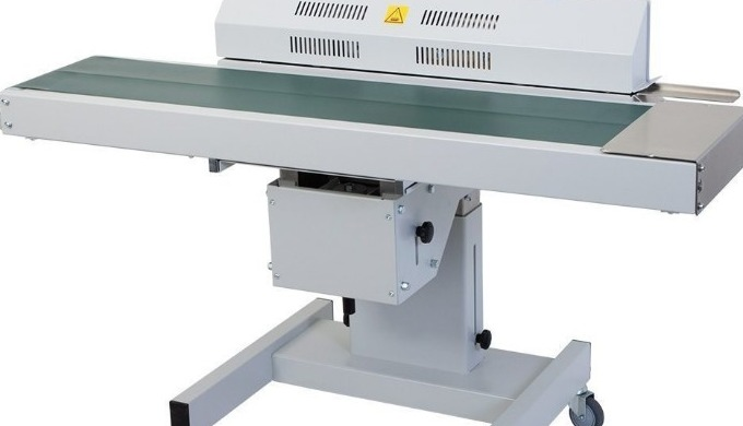The Audion D552 AH continuous belt sealer is perfect for the sealing of flat bags conveniently and at speed. The height