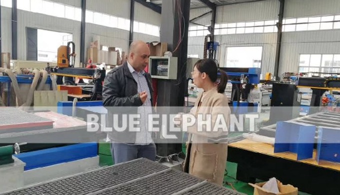 Canadian customer come to visit our factory and purchased our 1325 machine