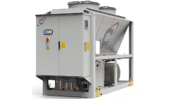 Refrigeratore di liquido condensato ad aria, progettato per il raffreddamento di applicazioni industriali e di processo.