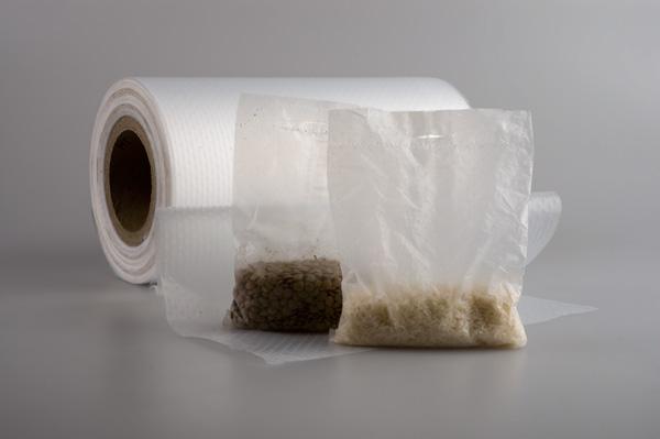 Fólie PERFOTEN® jsou celoplošně perforovány a používají se pro automatické balení potravin (např. rýže, obilniny, luštěn