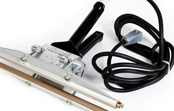 Impulse Heat Sealer This manual impulse heat sealer is perfect for welding materials such as polyethylene, polypropylene