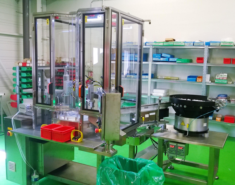 Machine spéciale  d'assemblage semi-automatique