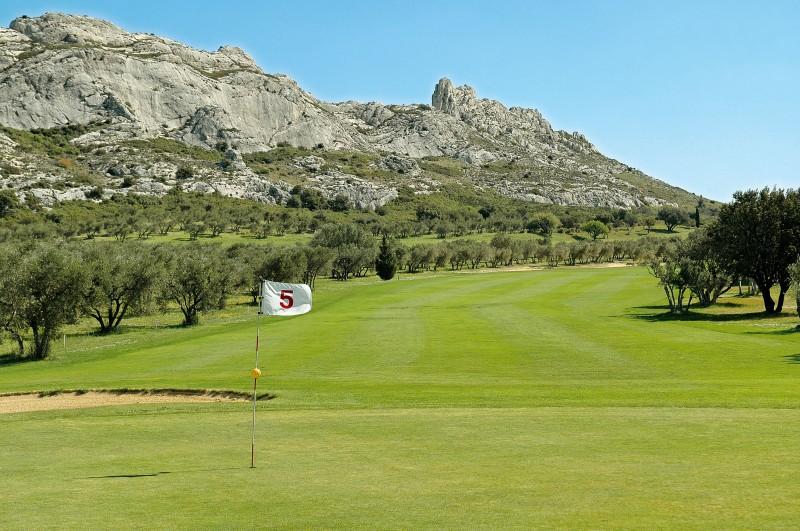 Golf circuit along Avignon