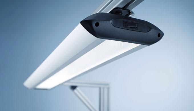 TAMETO è disponibile con tecnologia a lampade fluorescenti T5 o tecnologia a LED di ultima generazione. Gli apparecchi u