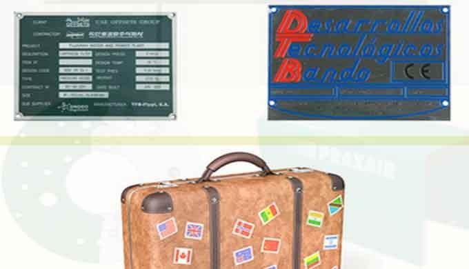 Agendas, insignias, pines, pegatinas, placas conmemoraticas, piezas publicitarias, etc.
