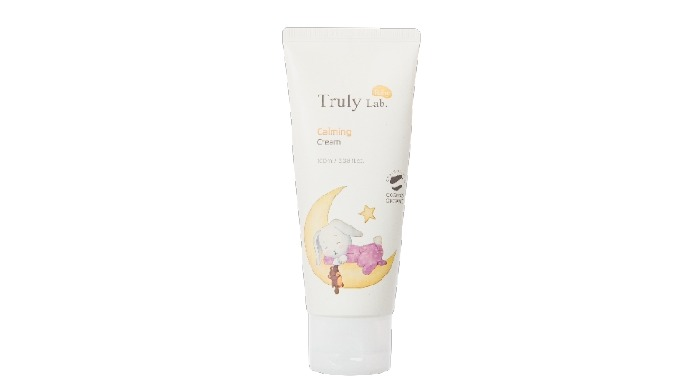 It reduces itching and irritation, caused by skin dryness, and intensively provides moisture, maintaining moist and heal