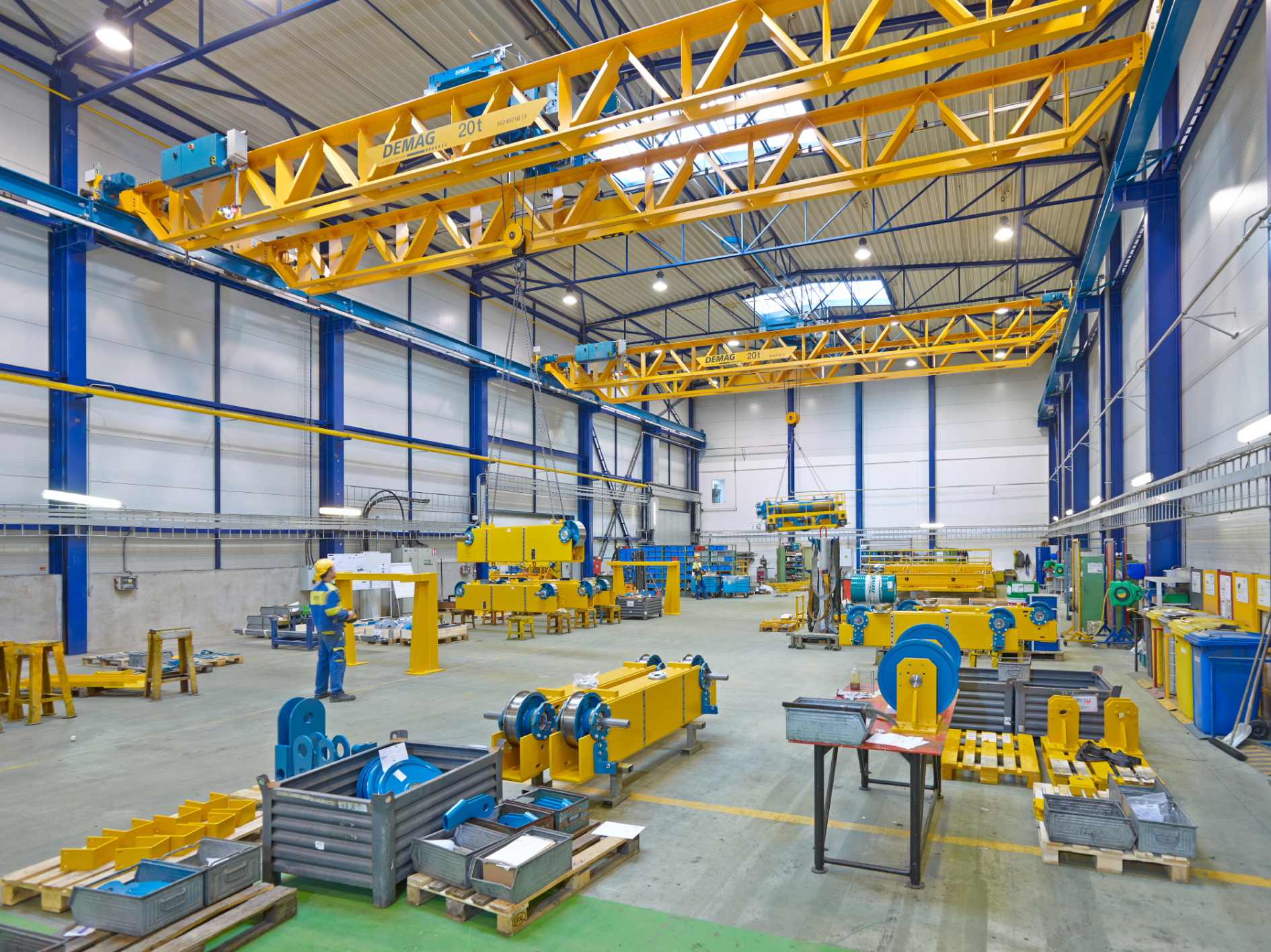 New Demag V-type double girder crane