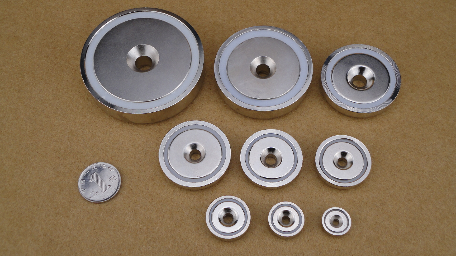 Holding magnet s/ pot magnets   Holding or pot magnets are used in almost all branches of industry as handling aids for
