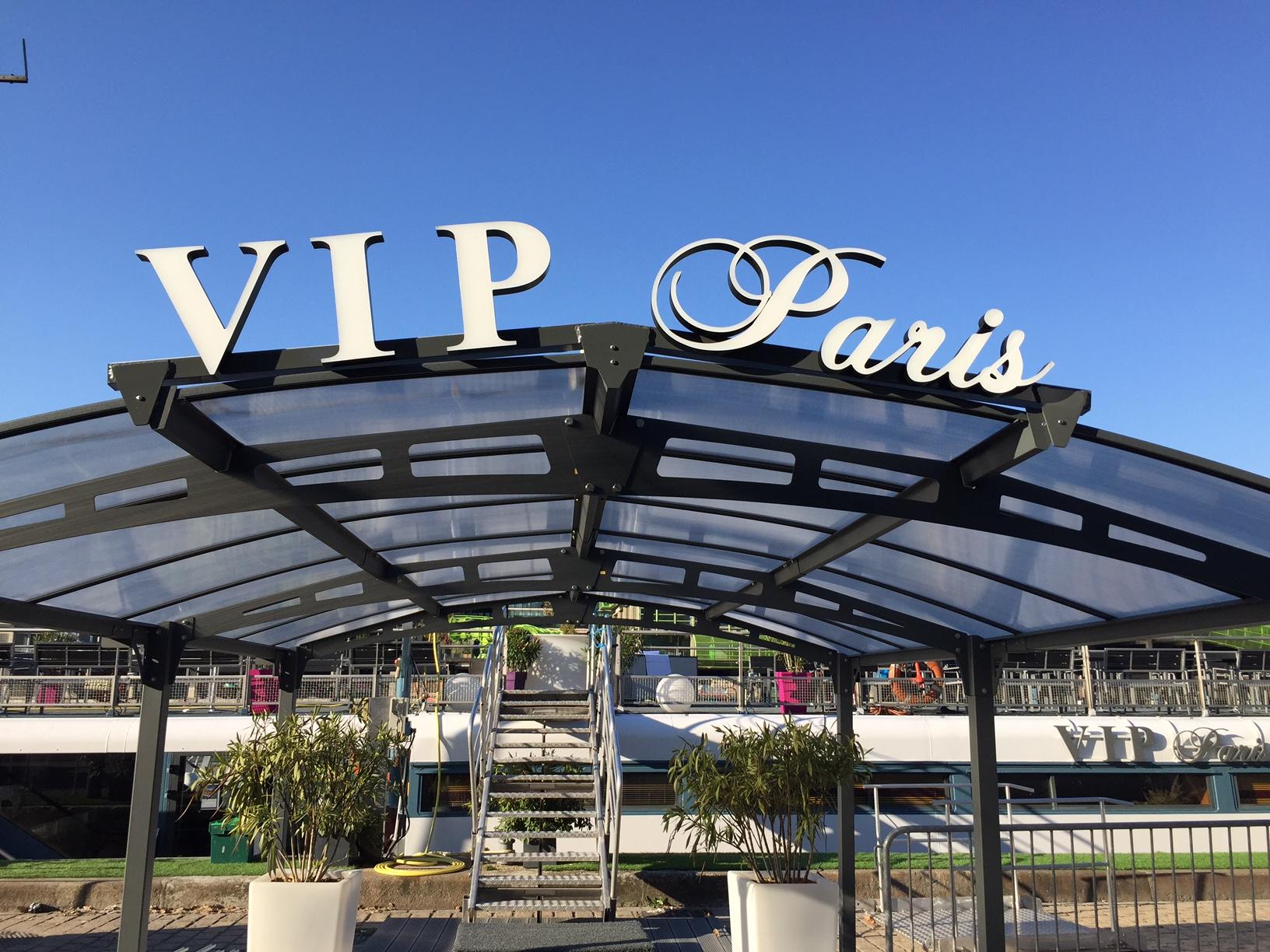 Actif Signal / VIP Paris Yacht Hôtel