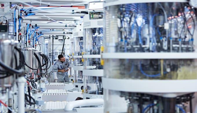 Mikron Machining ist der führende Anbieter von kundenspezifischen, leistungsfähigen Fertigungssystemen für die Herstellu