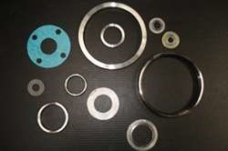 Gaskets Material standards. API 6A / API 601 / BS 3381 / ANSI B.16.20 / ANSI B.16.21​ SPW​ 316/316/GR​ Ring Joints​ Soft