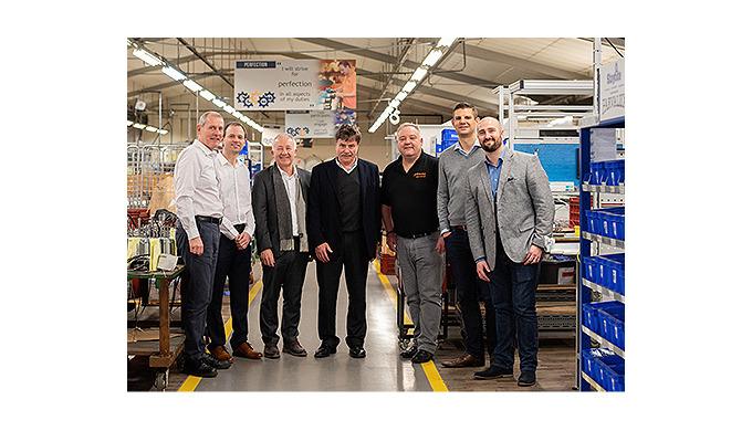 maxon motor übernimmt Motorenhersteller Parvalux