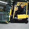 Des chariots élévateurs électriques propres, avec une maniabilité hors pair et une consommation d'énergie faible alliée